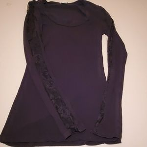 Long sleeve T shirt with lace panels
